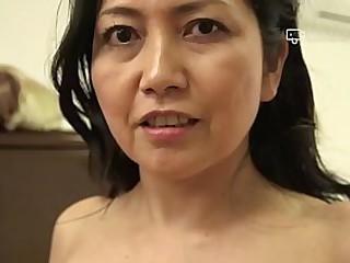 Japanese Mature Azusa Mayumi Erotically Takes Off Clothes to Bill Hot Host