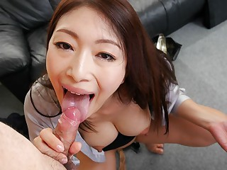 Reiko Kobayakawa in New office laddie Reiko Kobayakawa sucks her boss cock - JapanHDV